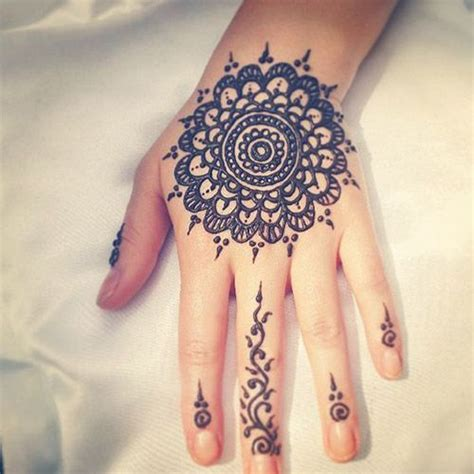 henna tattoo yourself 41 best images about simple henna designs on