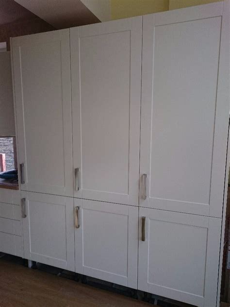 Howdens Wardrobes - 6x kitchen or bedroom wardrobe doors howdens new in