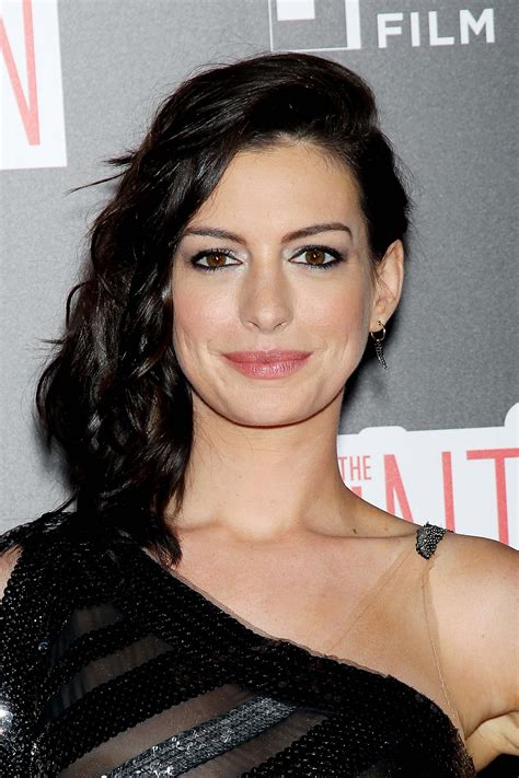 anne hathaway areola peek photos � the fappening leaked