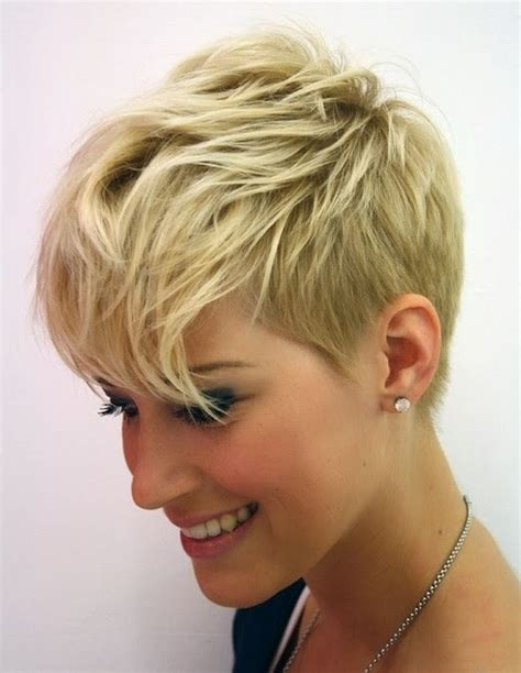 will a short haircut make my hair thicker 25 short hairstyles for heart shaped faces