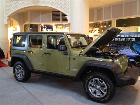 army green jeep rubicon file jeep rubicon green jpg wikimedia commons
