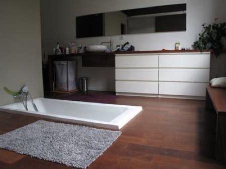 baignoire dans le sol ancien garage automobile r 233 habilit 233 en loft journal du loft