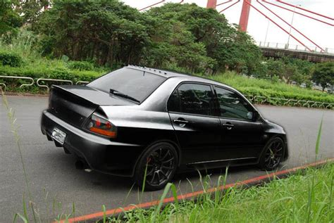 evo spoiler duck spoiler on an evo ix evolutionm mitsubishi