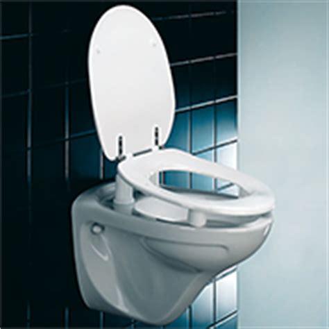 wc sitz elektrisch barrierefrei waschtische wc lifter st 252 tzklappgriffe