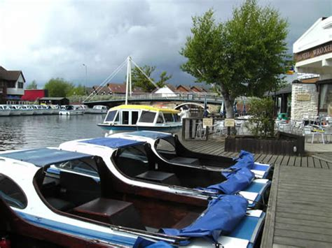 boat shop wroxham norfolk broads pubs restaurants shops on the river bure