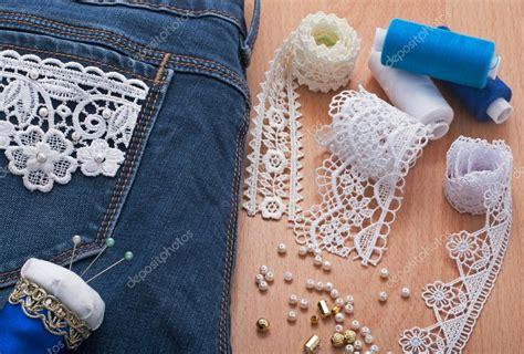 decorare jeans con paillettes decorazione di jeans con perline foto stock 169 olgasakhno