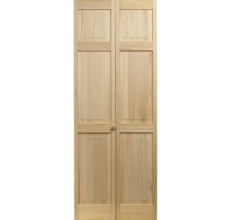 folding door with raised panels