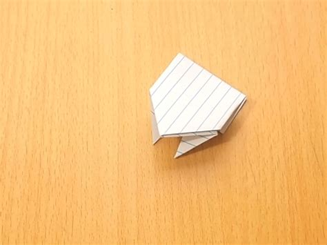 10 Step Origami - how to make an origami jumping frog from an index card 10