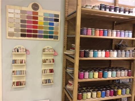 chalk paint valencia decoracion tienda simple cajas de vinos en decoracin de