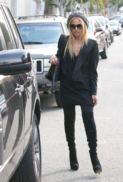 Stylist Zoe On Boots by More Pics Of Zoe The Knee Boots 9 Of 17