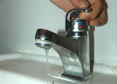rubinetto perde acqua gori ancora un guasto improvviso 150mila persone senz