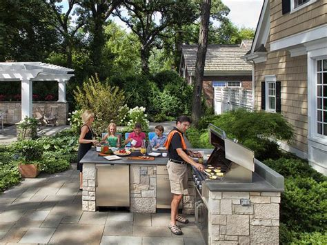 20 outdoor kitchens and grilling stations hgtv 20 outdoor kitchens and grilling stations outdoor spaces