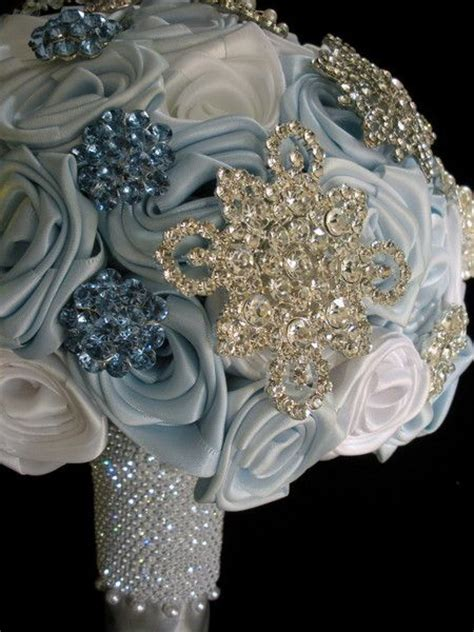 8 Ways to Transform your Quinceanera Bouquet this Winter