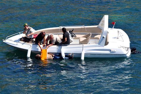 refugee boat tragedy boat refugees