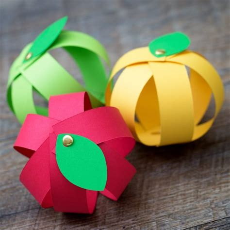 Paper Strips Crafts - fall crafts for landeelu