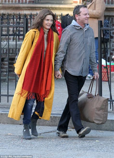 Hello 2015 Pair Set 8in1 pfeiffer holds with kiefer sutherland on beat up seagull nyc set daily mail