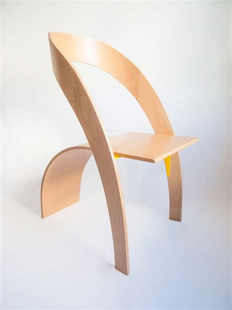 Minimalist Plywood Chair In Flowing Form Counterpoise