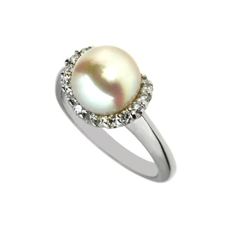 18ct white gold and pearl ring