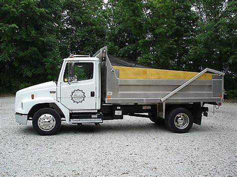 truck in nj dump trucks in jersey for sale 374 used trucks from 2 300