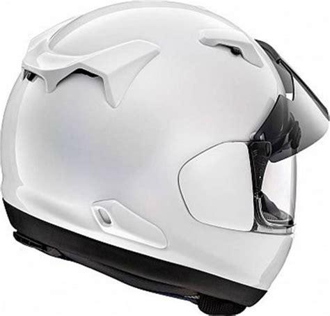 arai renegade  kapali motosiklet kaski beyaz