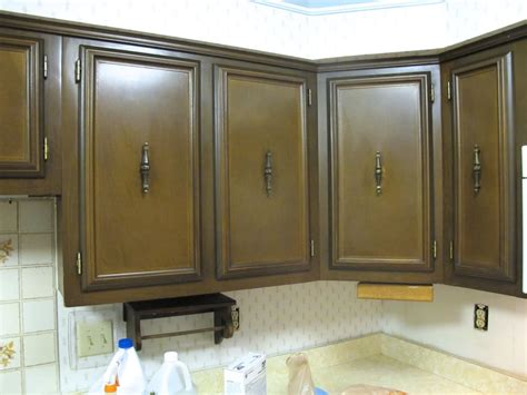 painting kitchen cabinets 11 must know tips 5 questions you must ask before starting a kitchen makeover