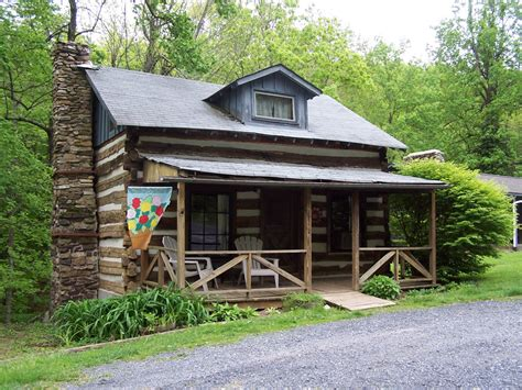 Parkway Cabins by Cabin Creekwood