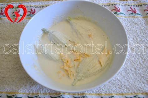 frittelle con fiori di zucchine frittelle di fiori di zucchine