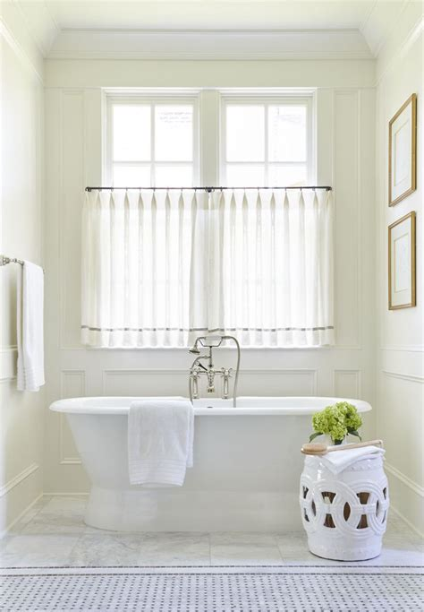 White Bathroom Window Curtains 25 Best Ideas About Bathroom Window Curtains On Pinterest Half Window Curtains Kitchen