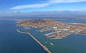 exploitation d un terminal situ 233 sur le port de commerce