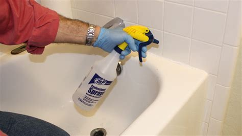 silicone caulking bathtub tip for smoothing silicone caulk today s homeowner