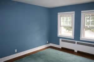 Este azul m 225 s intenso combina perfectamente con el suelo oscuro las