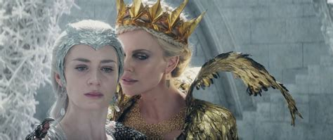 film sui queen quando esce first trailer to the huntsman winter s war gives the