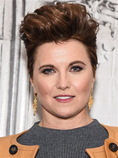 lucy lawless how old is she remember xena warrior princess actress lucy lawless