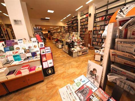 libreria comunardi torino la libreria comunardi di torino rischia di chiudere