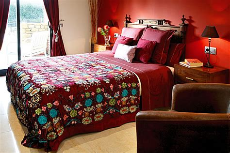 cranberry bedroom dipped in cranberry monochromatic rooms