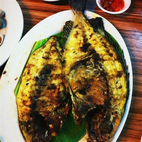sari laut ujung pandang seafood restaurant  kelapa gading