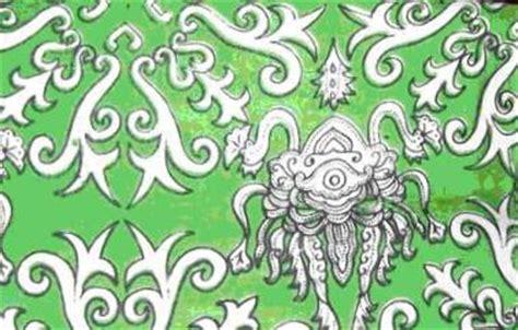 Motif Flower Hijau seragam batik jombang dengan motif yang bervariasi