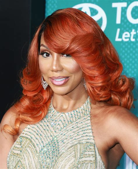 tamara braxton hairstyle tamar braxton feathered flip hair lookbook stylebistro