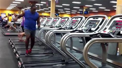 Courir Sur Un Tapis De Course Fait Il Maigrir by Lorsqu Il Se Sert De Tapis De Course Cet Homme Fait