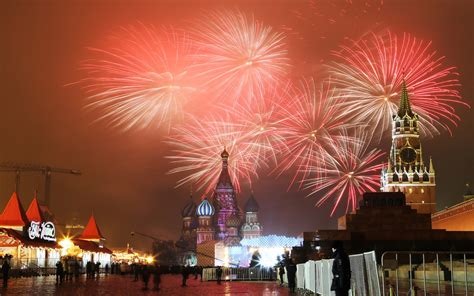 new years eve traditions new year s eve see how it s celebrated around the world