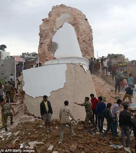 imagenes impactantes del terremoto de nepal las fotos m 225 s impactantes del terremoto en nepal