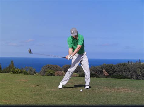 golf swing left knee action fitness friday improve your knee action with jordan