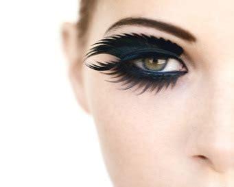 Sisir Bulu Mata mempesona dengan bulu mata tebal