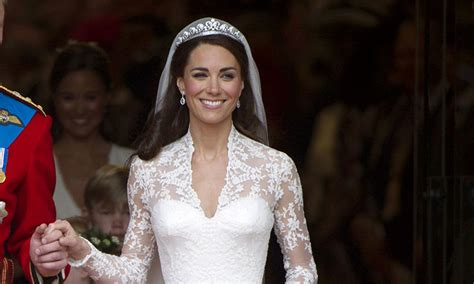 meghan markle what tiara did she wear meghan markle may borrow the queen s jewellery for her