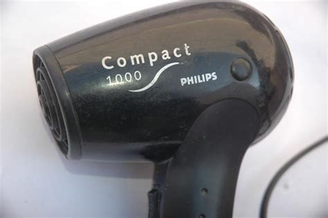 Philips Hair Dryer 1000 philips compact 1000 hp 4800 travel hairdryer review