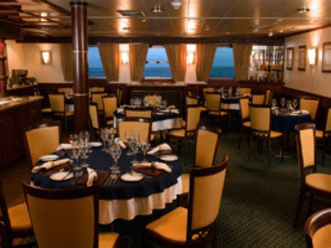 essential dining room etiquette tips for cruise ship cruise ship dining room fitbudha com