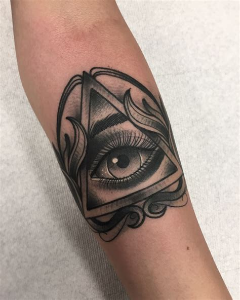 seeing eye tattoo all seeing eye by robert cabello infamous ink in pico