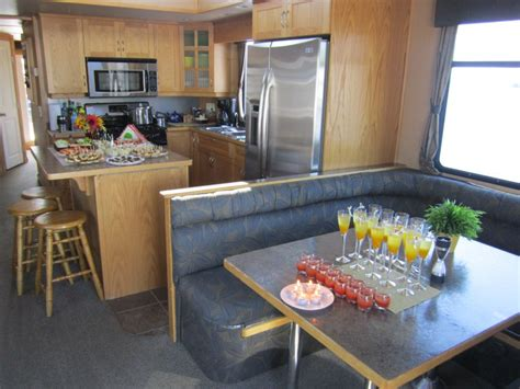 happy days house boats happy days houseboats rental trent severn kawarthas