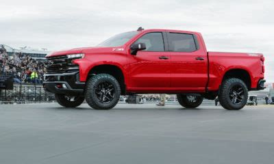chevy shows how silverado's steel bed outperforms ford's