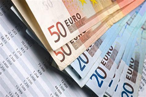 promotore finanziario remunerazione nuove fee per i promotori finanziari